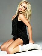 Britney-Spear's-Needs-Lip-S