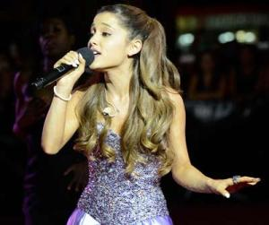 Ariana-Grande's-show-is-fin