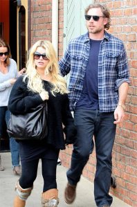 Jessica-Simpson-And-Eric-Johnson-Enjoying-Heat-Of-Second-Marriage