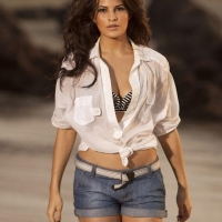 Why Jacqueline Fernandez was Locked in Hotel Room for Two Days?