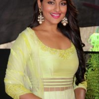 Sonakshi Justifies her Role in Prabhu's Films