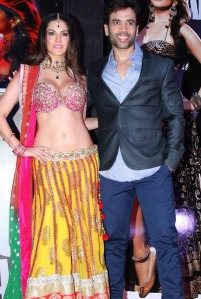 Sunny-Leone-Tusshar-Kapoor