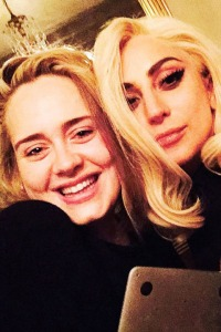 Lady-Gaga-and-Adele-Enjoyin