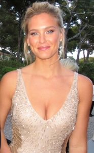 Bar-Refaeli-Honored-as-the-