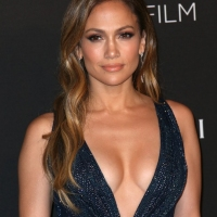 Jennifer Lopez Fabulous at Academy Awards 2015