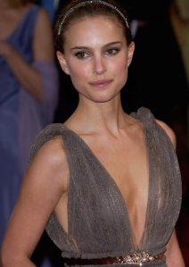 Natalie-Portman-Looks-Gorge