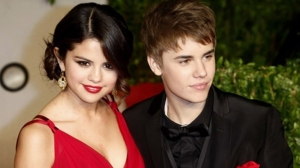 Justin-Bieber-and-Selena-Go