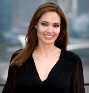 Angelina-Jolie'